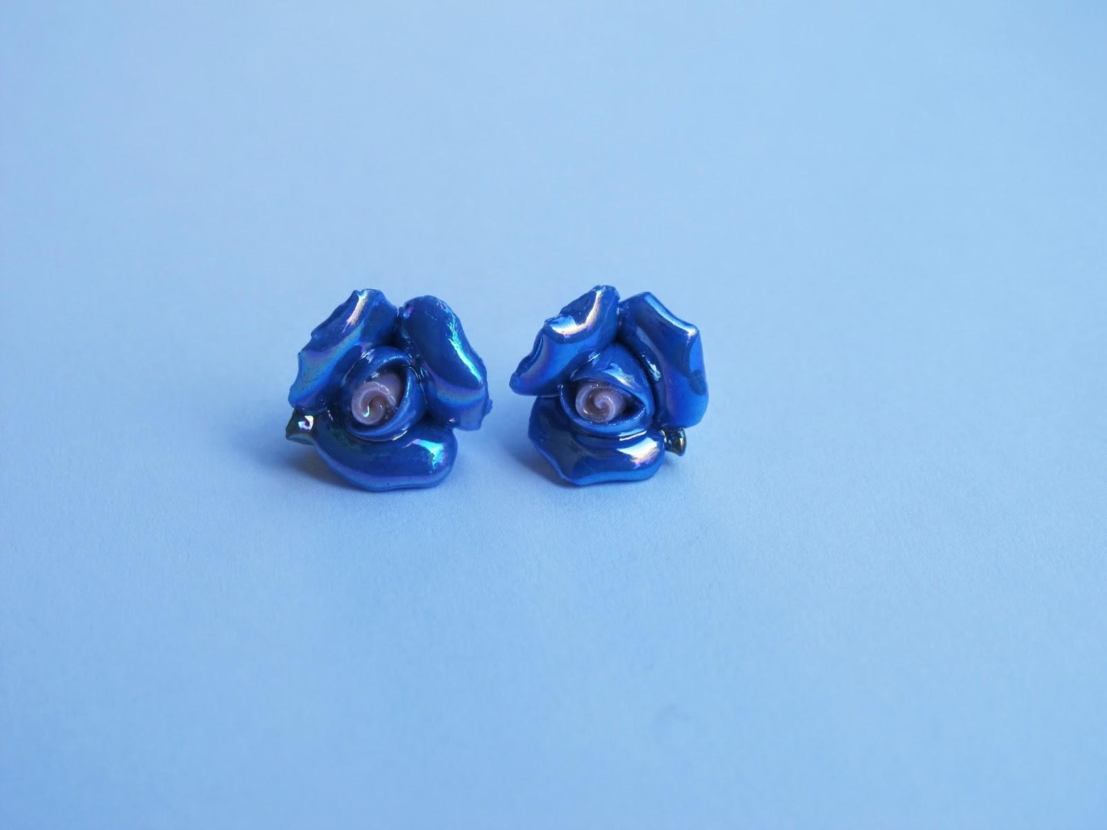 Wkrętki niebieskie różyczki