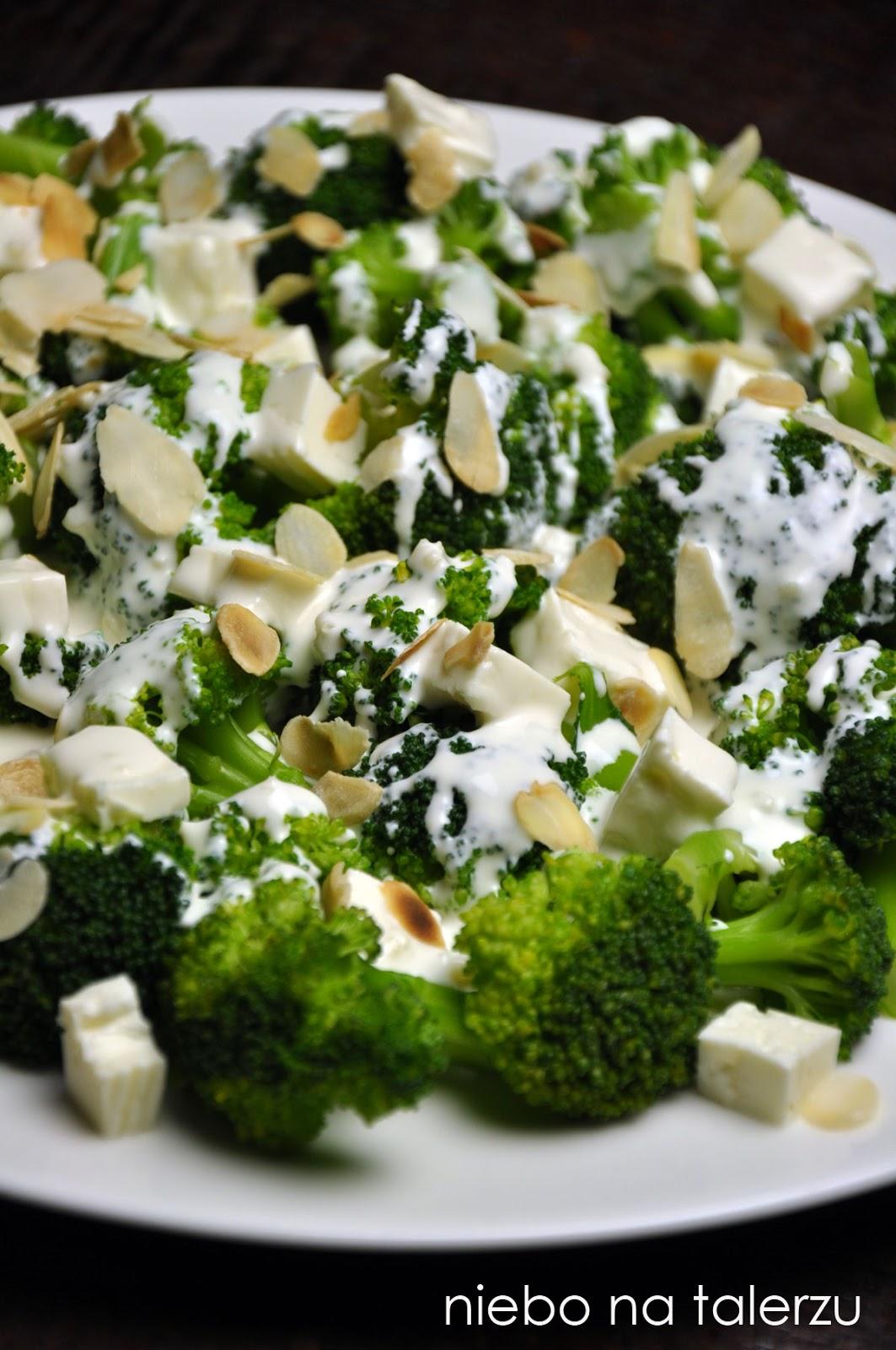 Salatka Z Brokulami I Serem Feta Niebo Na Talerzu