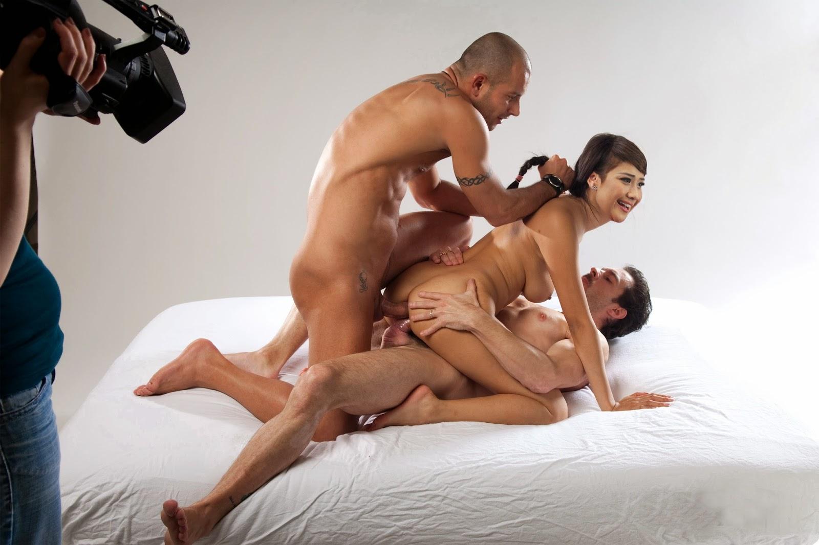 Фото порно секс секс втроем, Подборка любительских снимков домашнего секса втроём 2 фотография