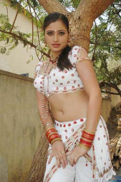 Actress Navneet Kaur Navel Show Photos