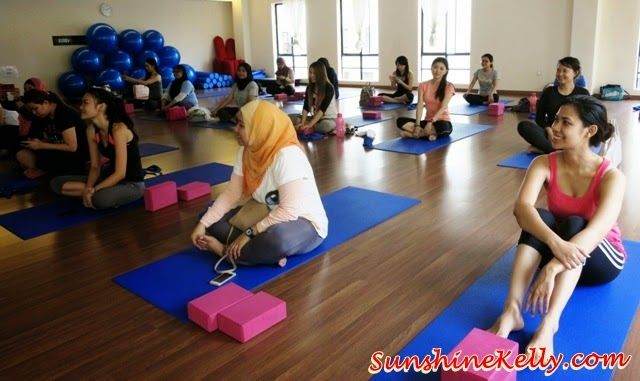 Yoga Class with Whisper, mYoga Plaza Damas, Yoga Class, Whisper sanitary pads, whisper ultra, whisper cottony clean, sanitary pads,