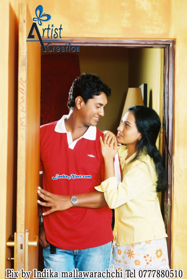 Chathurika Peiris and Roshan Pilapitiya http://lankan-fashion.blogspot.com/2012/08/chathurika-peiris-and-roshan-pilapitiya.html