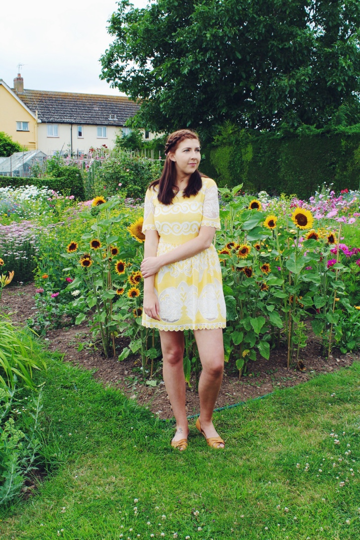 asseenonme, wiw, whatimwearing, yellow, sunflowergarden, primark, primarkhaul, ootd, outfitoftheday, lotd, lookoftheday, fbloggers, fblogger, fashionbloggers, fashionblogger, fashion, fashionpost, outfitpost