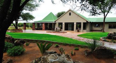 http://www.namibiareservations.com/otjiwa_lodge.html