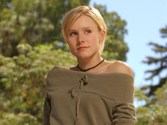 Actress Kristen Bell Glamorous Wallpaper
