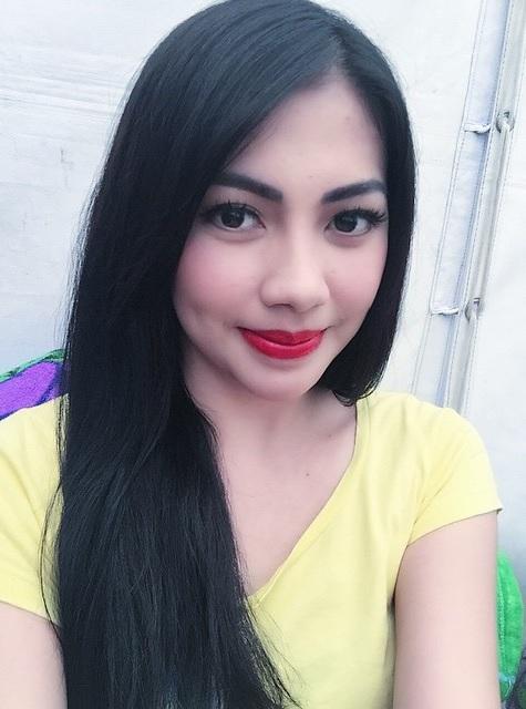 Profil Kezia Karamoy