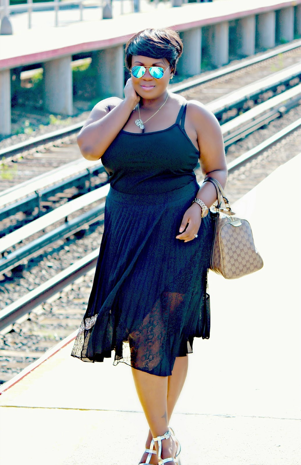 black in the summer, how to style black in the summer, pleated lace skirts