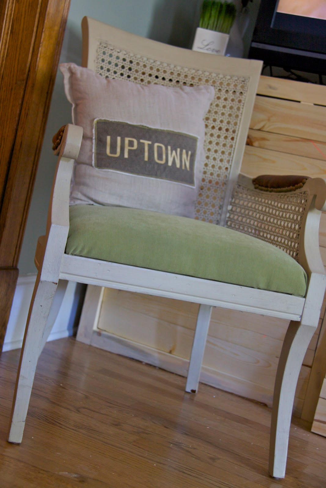 Old Wicker Arm Chair Makeover Tutorial