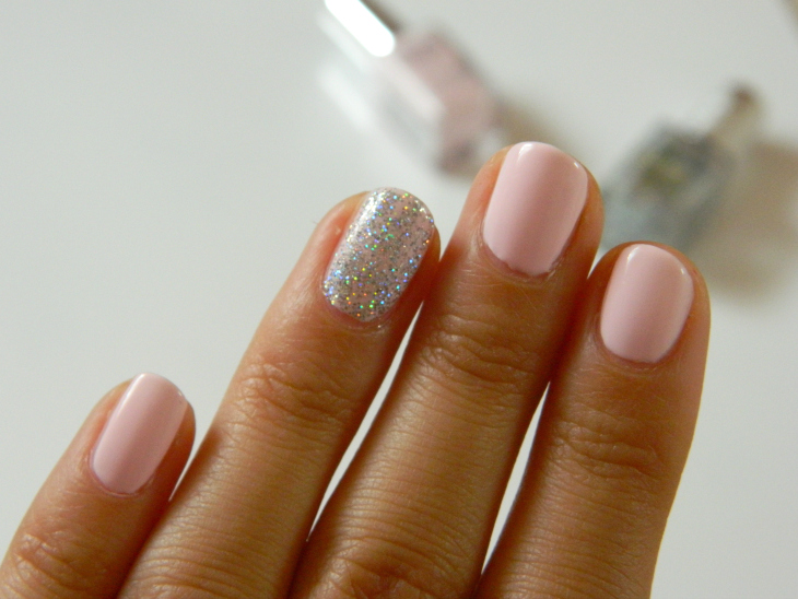 Love From Lisa Rose Pink & Glitter Nails of the Week