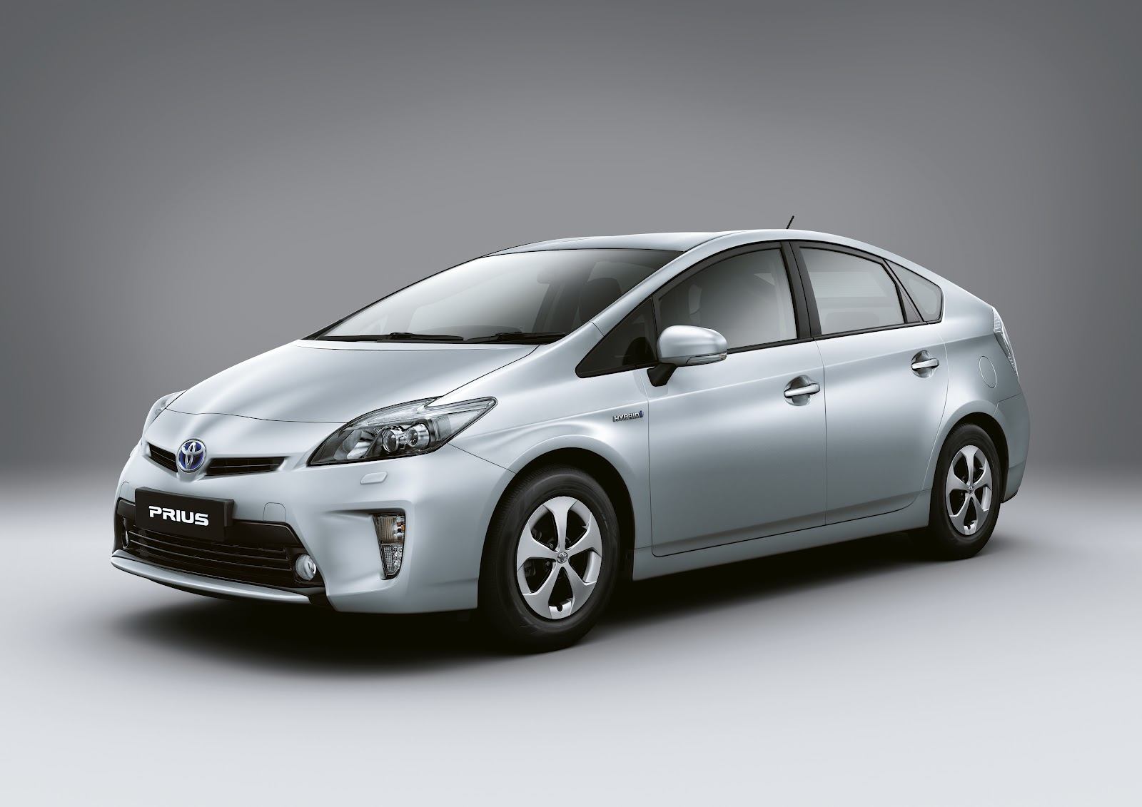 Jq Talks Toyota Motor Launched New Hybrids New Prius And