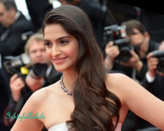 Cannes Inspired Look: Sonam Kapoor. image
