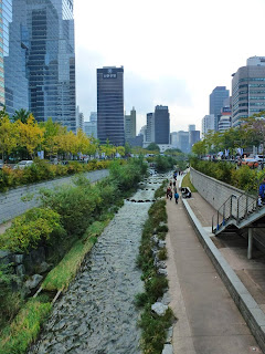 Cheonggyecheon River in Seoul - eTravelSense