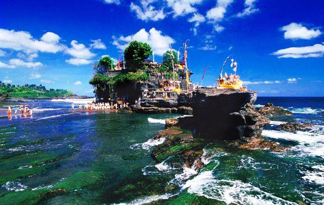 Tempat Wisata di Bali - Tanah Lot