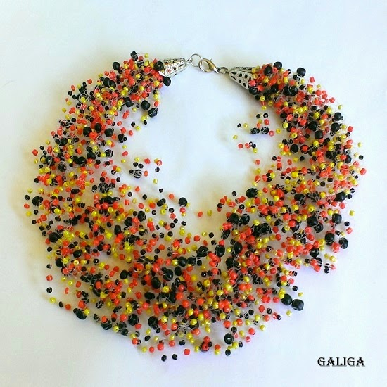 Air necklace with beads