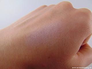 Alverde Lidschatten - Rosy Taupe - toller Basic-Lidschatten Swatch - www.annitschkasblog.de