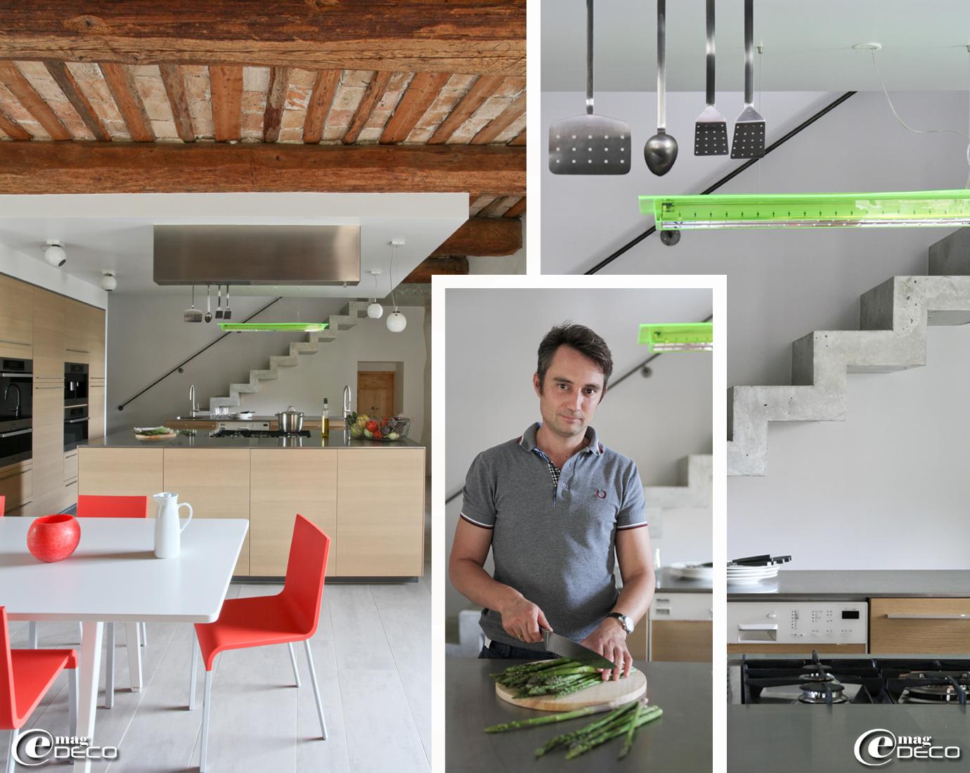 La cuisine de La Maison d'Ulysse sous son plafond à kès et entrevous de briques, équipements électroménagers MIELE et suspension Hyppe finition green fluo chez DARK