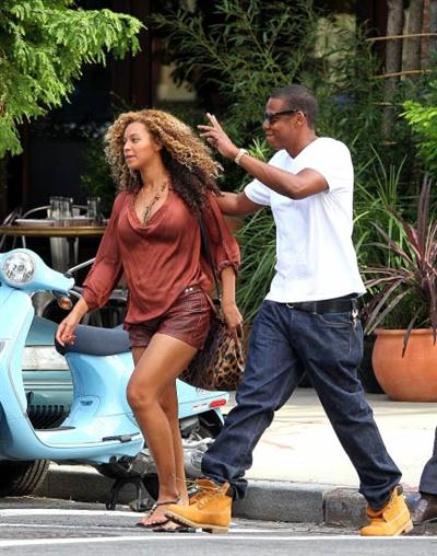 "*UPDATED* Beyonce And Jay-Z Give Birth To A Baby Girl….Reportedly Name Her ""Ivy Blue""?"