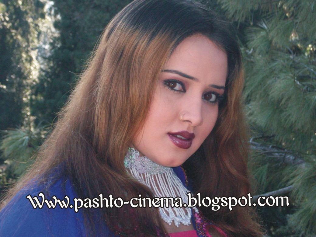 Pashto Drama Dancer, Actress and Model Nadia Gul Photos