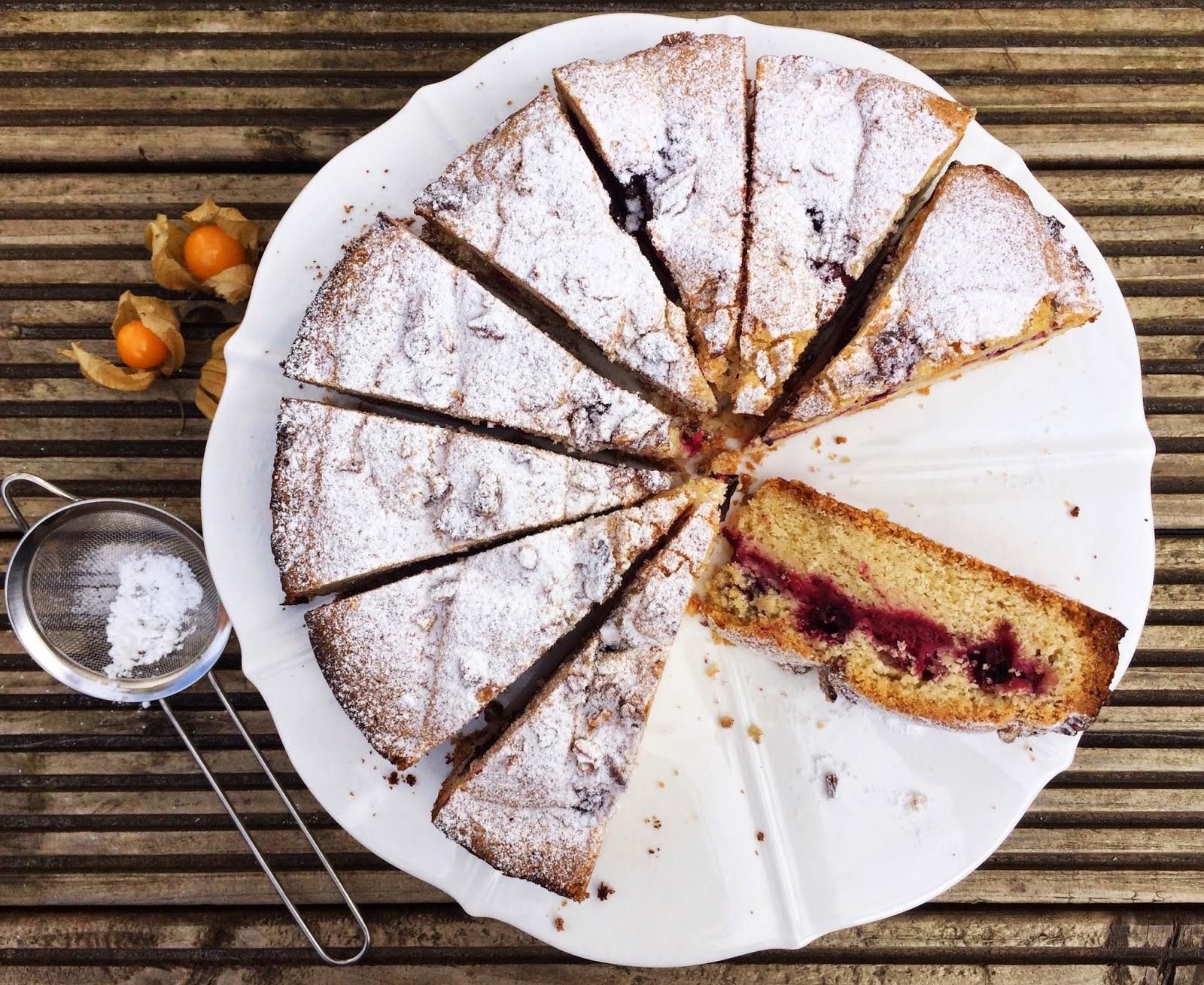 kruche ciasto, orzechy pekan, owoce, ptysiu mietowy