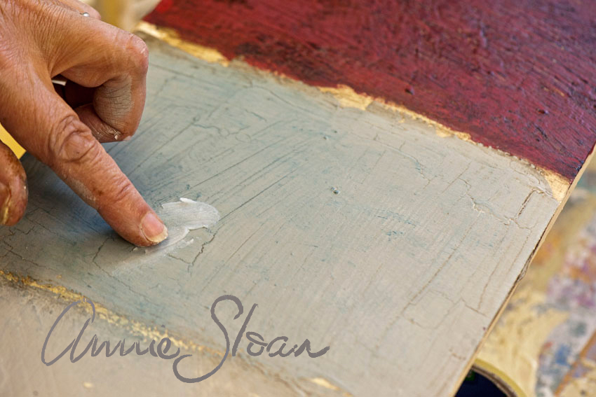 How Long To Leave Wax On Chalk Paint Before Buffing