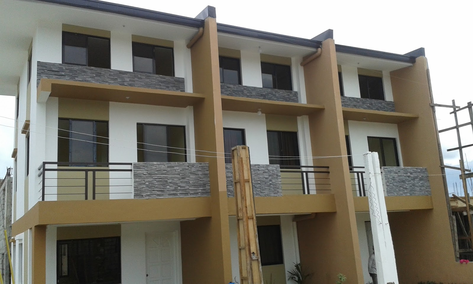 Bulacan homes preview eliza model 3 storey townhouse at for How to build a model pueblo house