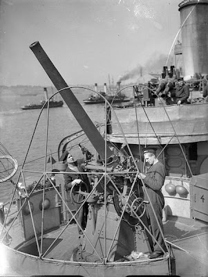 WW2 Battle of Atlantic - Crew cleaning  4-inch anti-aircraft gun-ORP Błyskawica 12 September 1940
