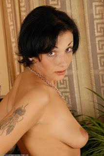 淘气的女士 - rs-ven012JAT_152050056-720119.jpg