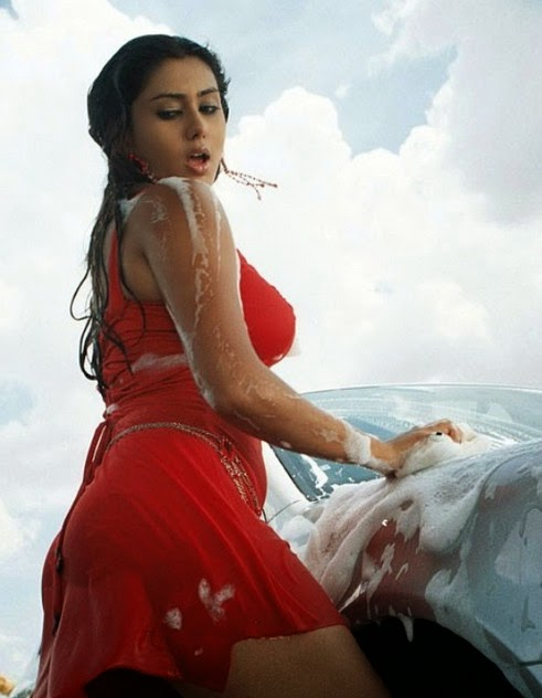 Bollywood actresses seductive car washes