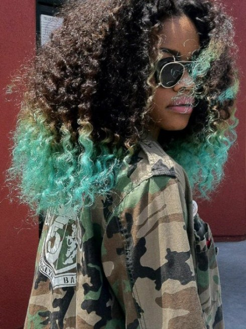 Crochet Braids Zetten : Your Africa Is Showing: Teyana Taylors Ombre Curly Weave