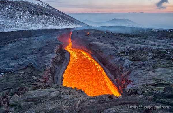 plosky y ostry volcanes de tolbachik