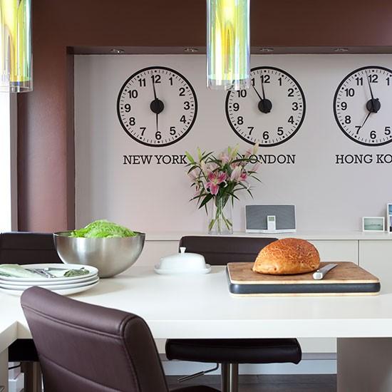 Kitchen Feature Wallpaper: Construindo Minha Casa Clean: 13 Ideias De Relógios Na