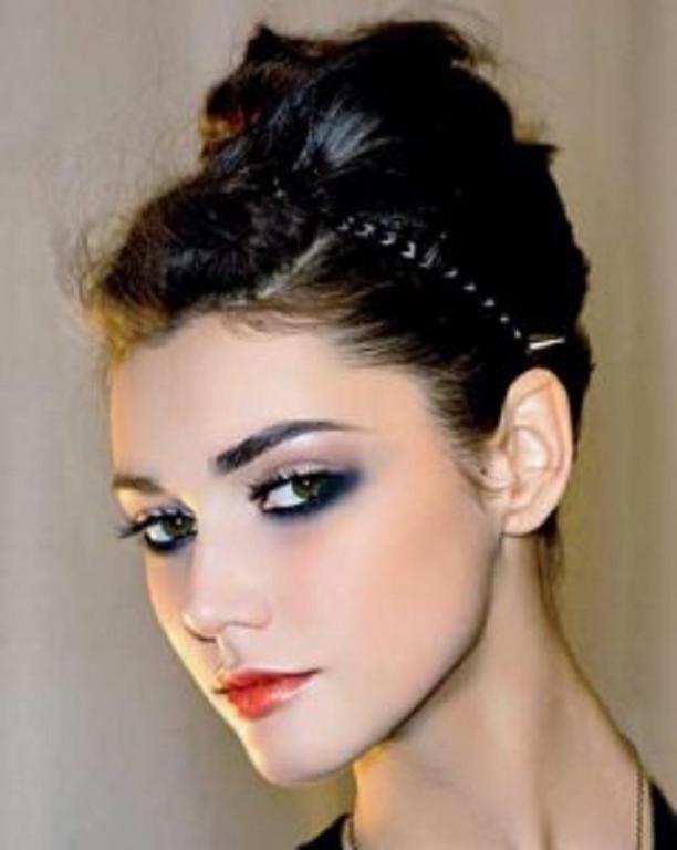 hay mil ideas de peinados vez la opcin ser de pelo recogido el cual le dar a tu estilo y