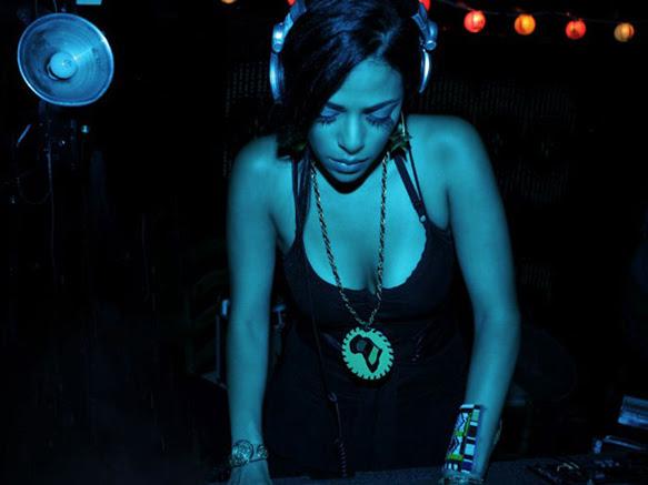Sunday Listening ... DJ Rashida
