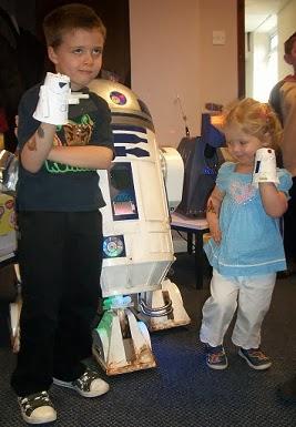 R2D2 R5D4 Astromech Droid
