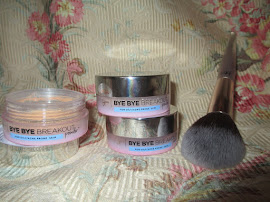IT Cosmetics Bye Bye Breakout Powder