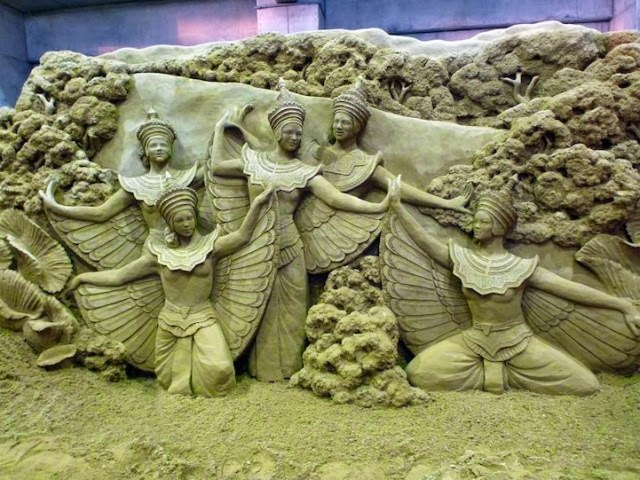 Incredible Sand Sculpture by Susanne Ruseler