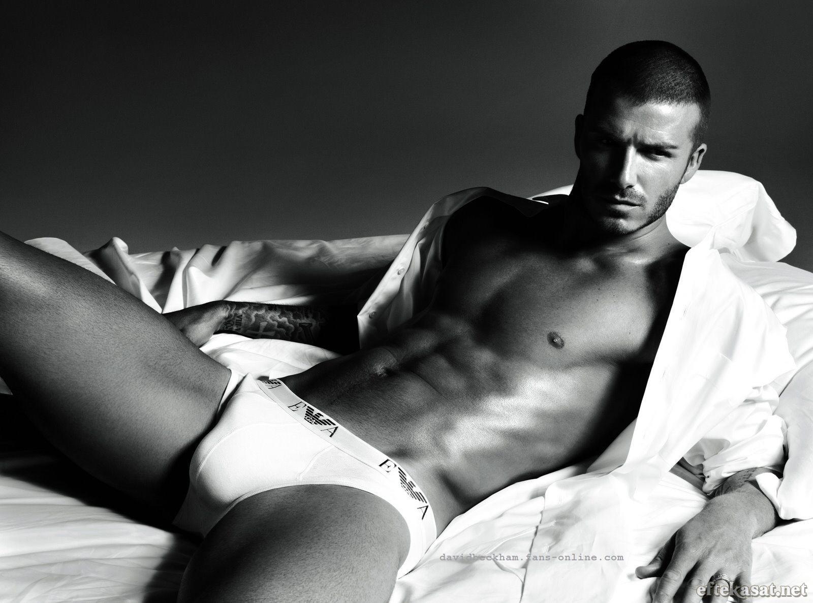 http://1.bp.blogspot.com/-utD3uKUlo8U/UPADQuR6_8I/AAAAAAAAEmA/-1qC81_-V_s/s1600/David+Beckham+underwear+Armani+shirtless.jpg
