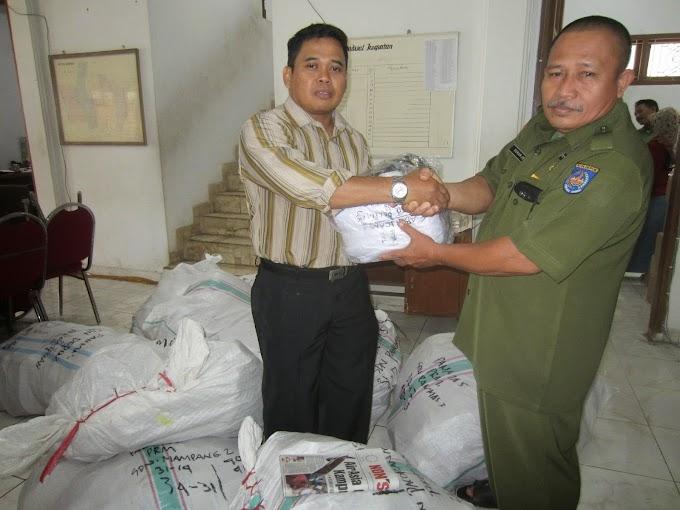 UPT Bakal Jewer Kepsek Pungut Biaya Seragam dan Sepatu gratis