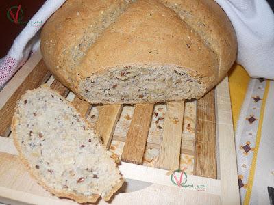 Pan de centeno con semillas.
