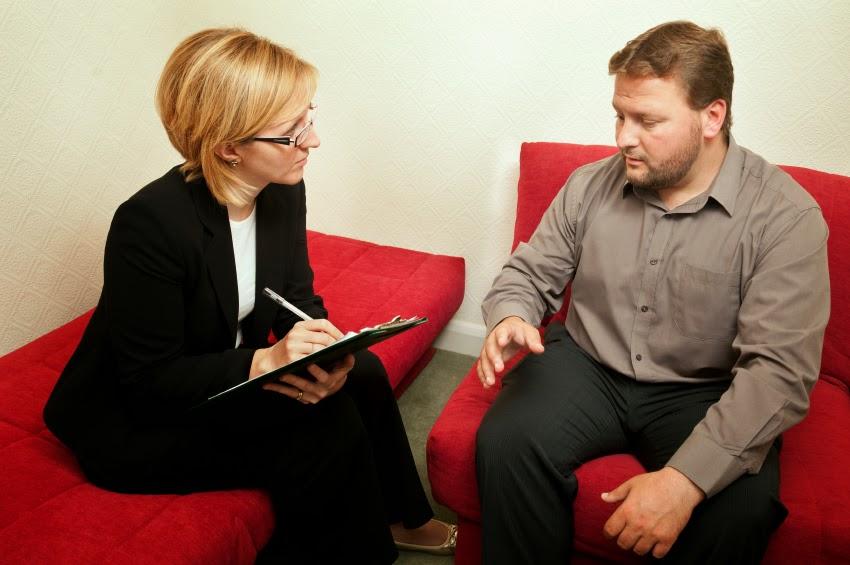Man+and+psychiatrist.jpg