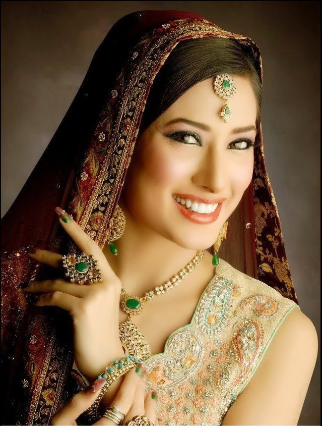http://funchoice.org/celebrities/pakistani-celebrities/mehwish-hayat-bridal-makeover-photos