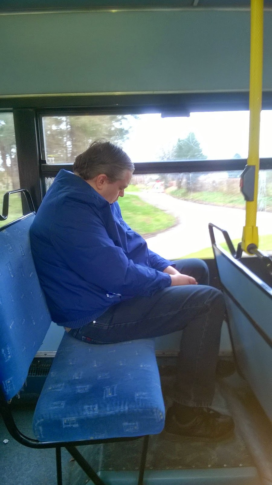 Mr UKBuses has a nap!