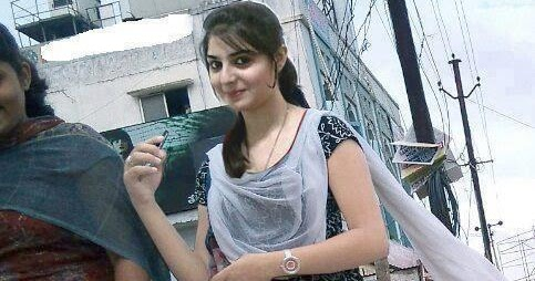 Downloader Mania Pakistani Girl With Laggy And Short