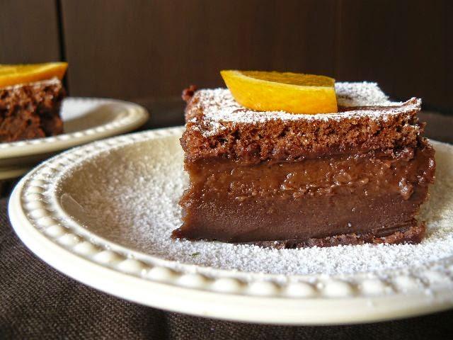 Magiczne ciasto czekoladowe z nutką pomarańczy