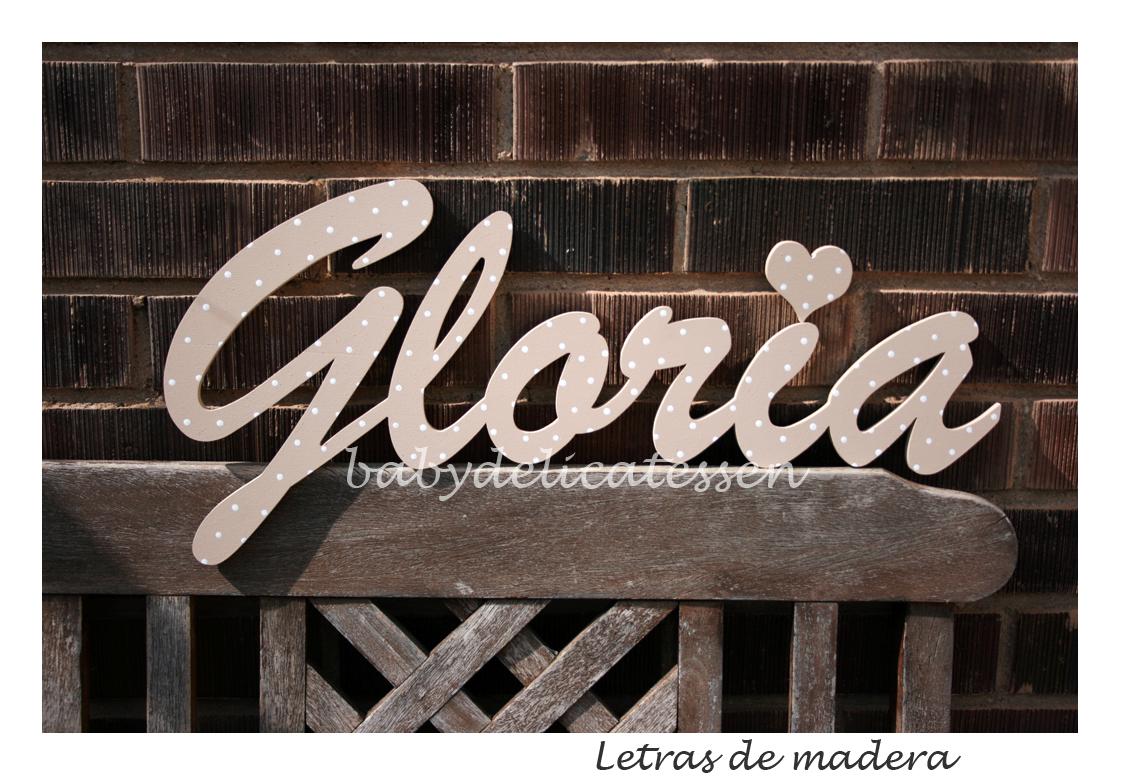El nombre de Gloria estu00e1 hecho en el tipo de letra brush ...