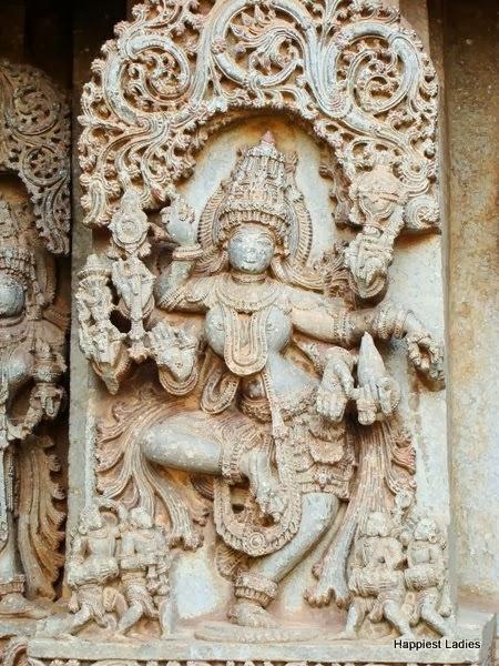 Dancing sculpture at hosaholalu temple