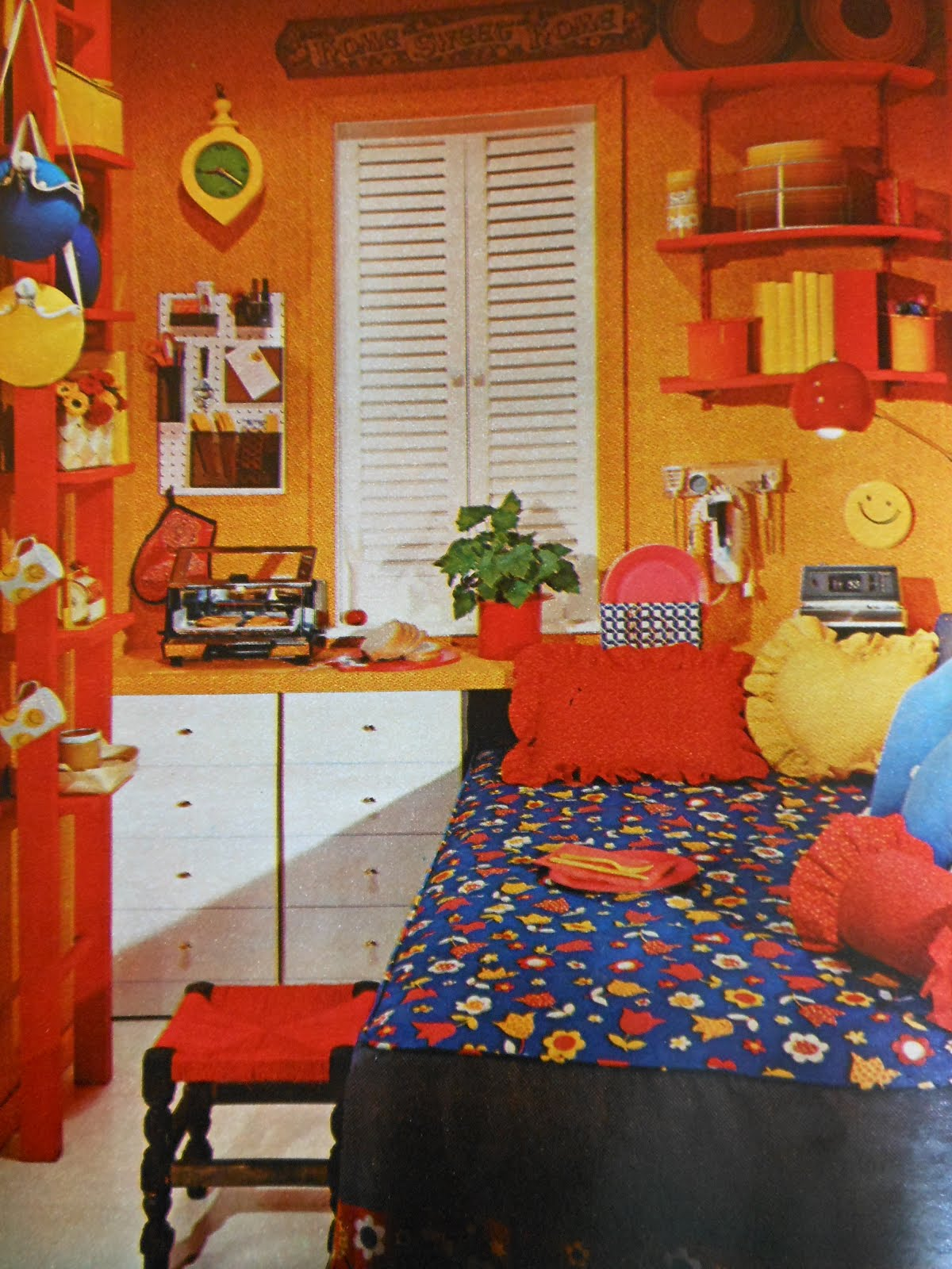 Seventeen Bedroom Gold Country Girls More Colorful Rooms From Seventeen