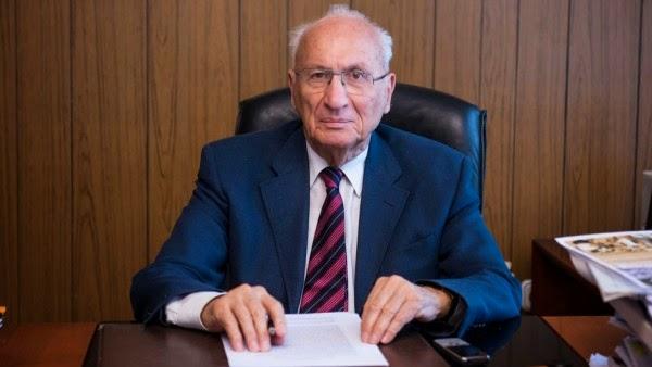 Ο μπαμπάς του Βαρουφάκη, είναι και Πρόεδρος στην Χαλυβουργική της Γιάννας. Και είναι υπέρ της συνεκμετάλλευσης του Αιγαίου με την Τουρκία. Τι δεν κατάλαβες;