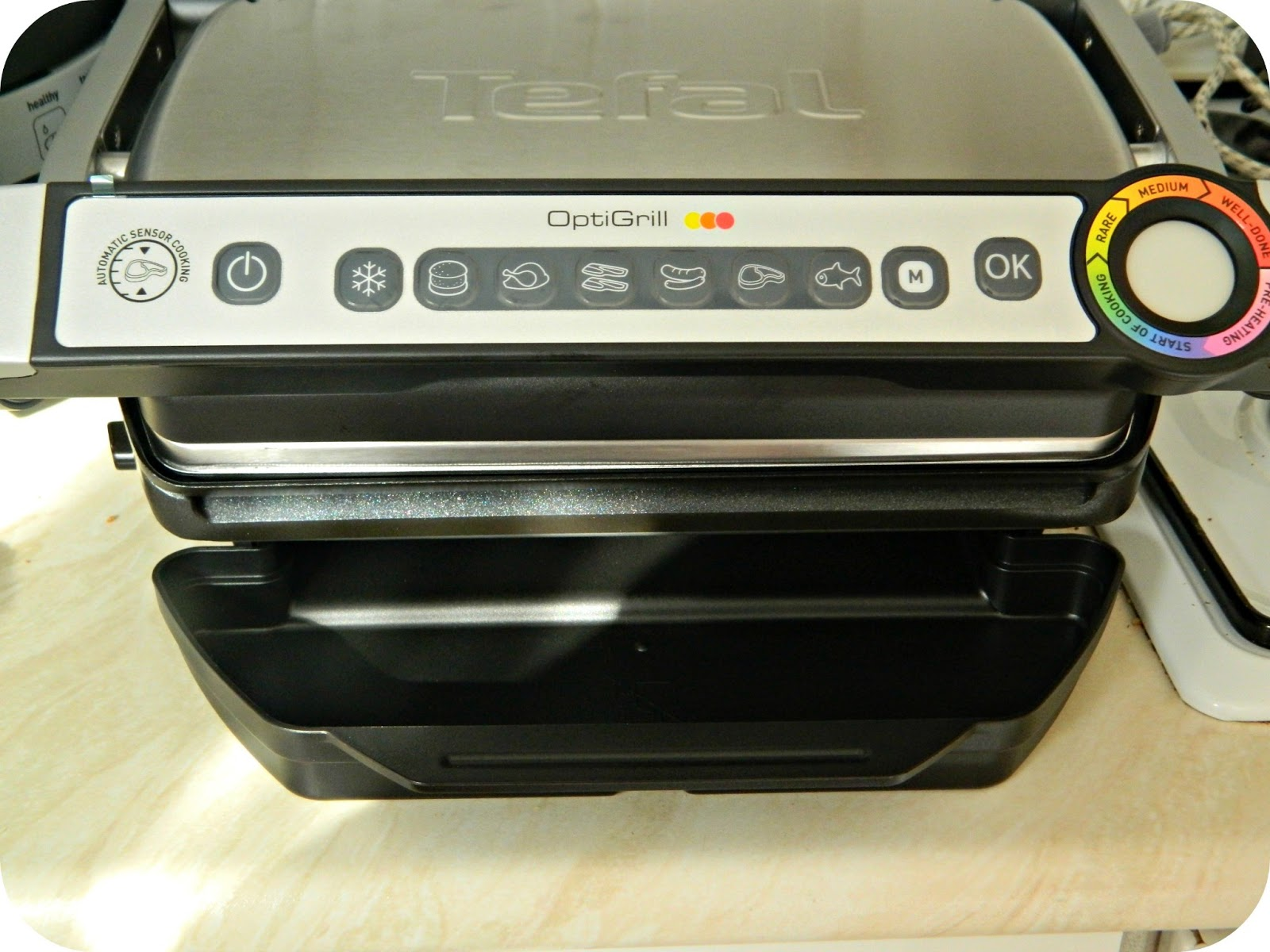 the tefal optigrill makes grilling easy a review red rose mummy. Black Bedroom Furniture Sets. Home Design Ideas
