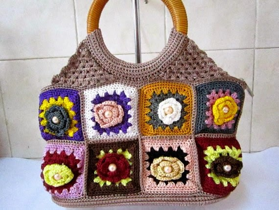 https://www.etsy.com/listing/168080468/crochet-hand-bag-purse-clutch-granny?ref=favs_view_10